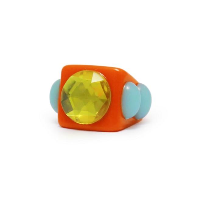 πολύχρωμο δαχτυλίδι