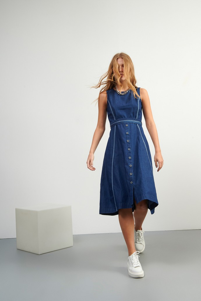 denim φόρεμα με υφασμάτινη ζώνη