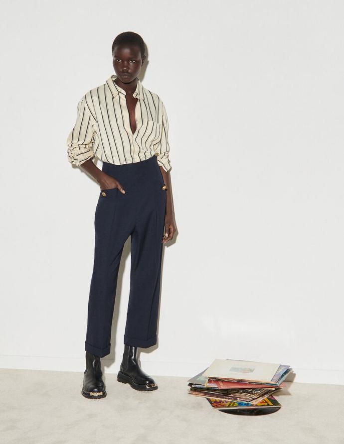 παντελόνι σε wide-leg γραμμή