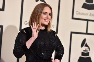 H Adele χρειαζόταν ένα Schiaparelli φόρεμα για να κάνει τη σχέση της Instagram official