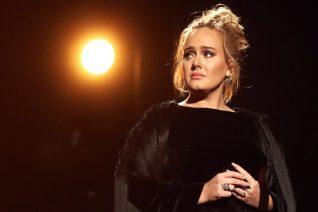 Η (και πάλι) εντελώς διαφορετική Adele στη νέα της εμφάνιση