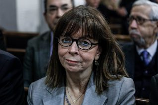 Η Σακελλαροπούλου δεν θα έπρεπε να είναι η πρώτη Πρόεδρος της Δημοκρατίας