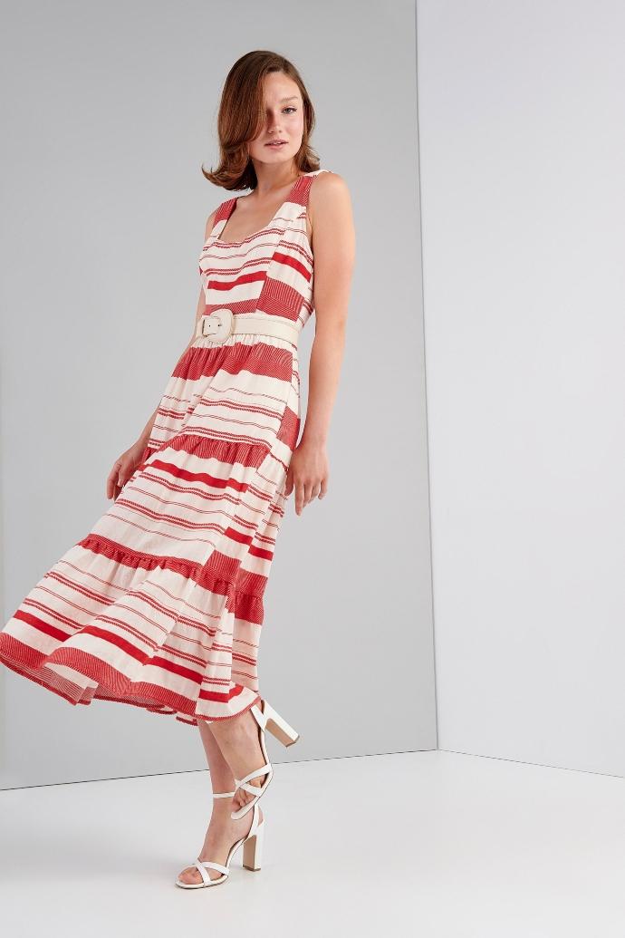 αμάνικο φόρεμα με τετράγωνο ντεκολτέ
