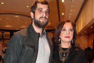Η Χάρις Αλεξίου σε μία σπάνια φωτογραφία με τον γιο της