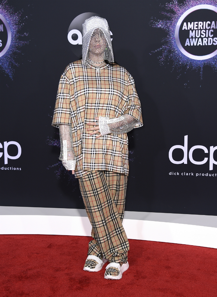 H Billie Eilish στα American Music Awards 2019