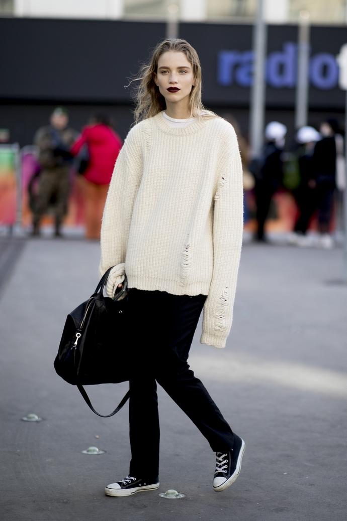 πουλόβερ και τζιν