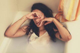 6 «άγνωστα» σημάδια που δείχνουν ότι έχεις πολύ άγχος