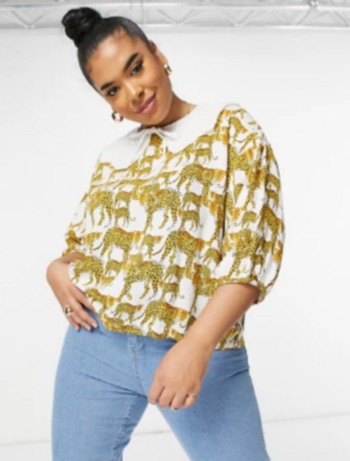 μπλούζα με λευκό γιακά και leopard print