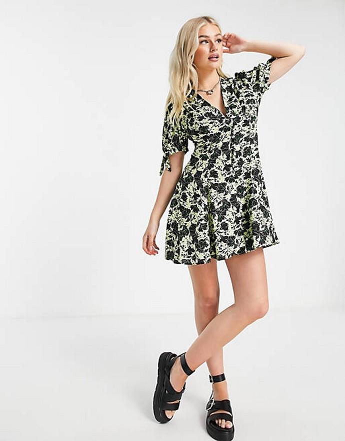 Μίνι φλοράλ φόρεμα
