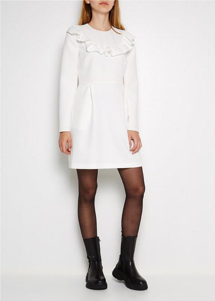 Λευκό φόρεμα με βολάν και στρογγυλή λαιμόκοψη