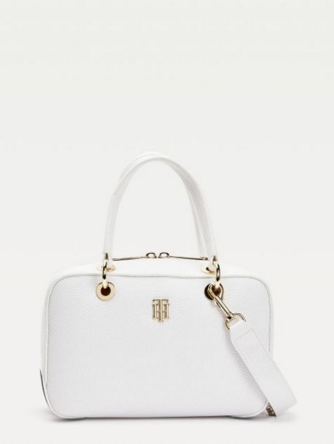 Τσάντα με ανάγλυφο φινίρισμα