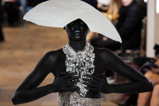 8 μαύρα μοντέλα του σήμερα και οι πρωτιές τους στον χώρο της μόδας