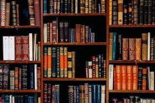 Παγκόσμια Ημέρα Βιβλίου: 22 βιβλία που πρέπει να έχεις διαβάσει στη ζωή σου