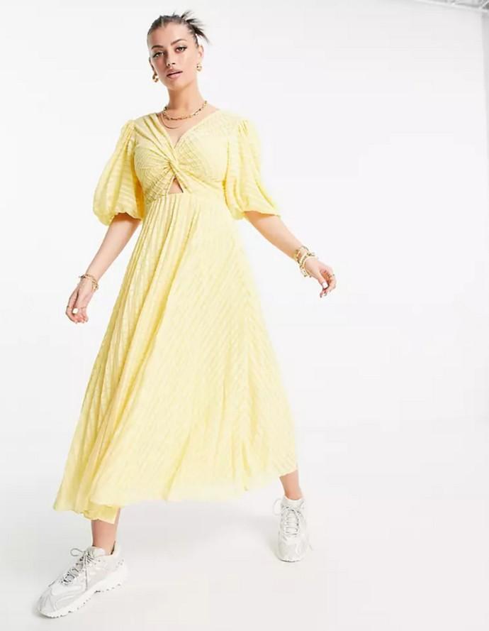 Πλισέ φόρεμα με cut-out