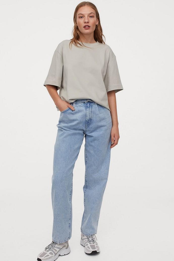 Mom jeans σε χαλαρή γραμμή