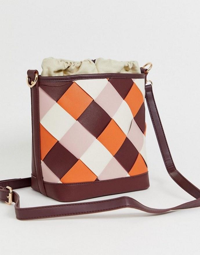Tσάντα bucket με πλεκτό μοτίβο