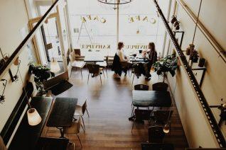 Η «Κιμωλία» στην Πλάκα είναι το πρώτο online cafe στην Αθήνα