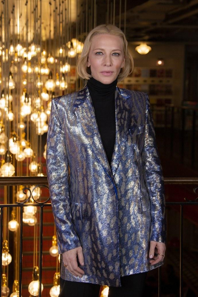 Η Cate Blanchett θα σε πείσει ότι το statement σακάκι θα μεταμορφώσει το look σου.