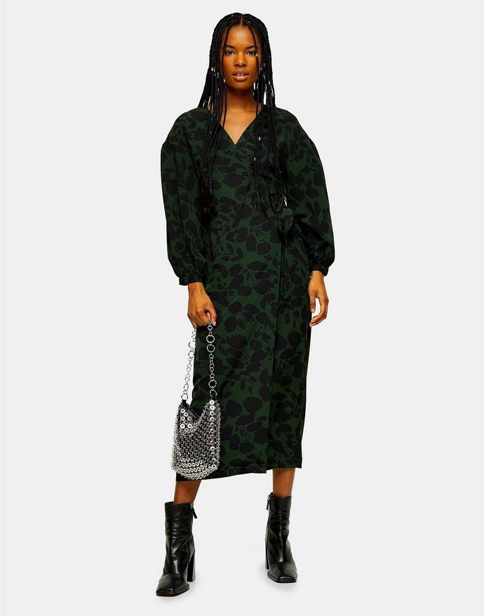 Κρουαζέ φόρεμα με ογκώδη μανίκια