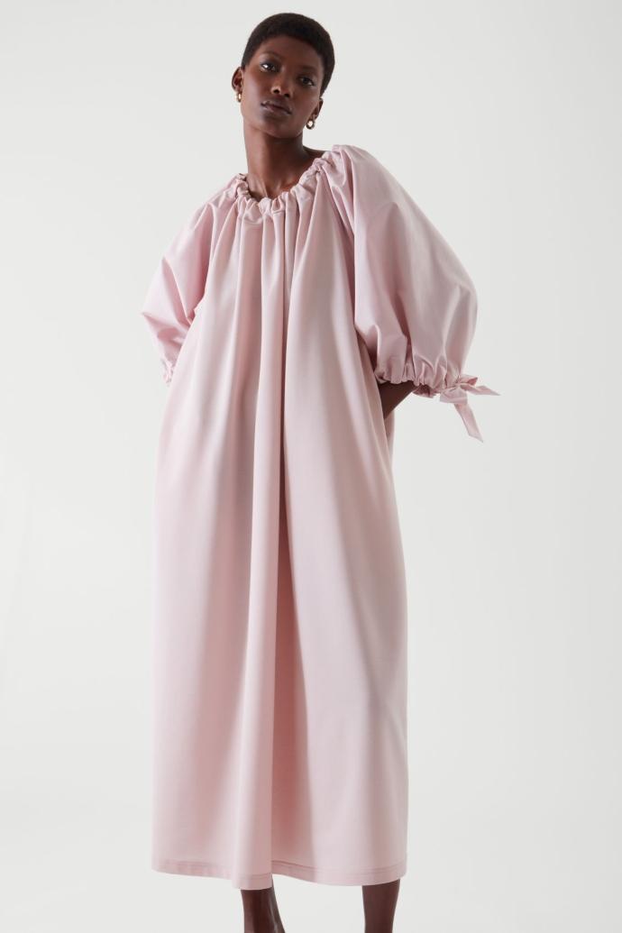 φόρεμα με φουσκωτό μανίκι