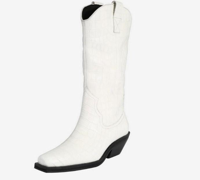 Καουμπόικες μπότες με τετράγωνο τακούνι