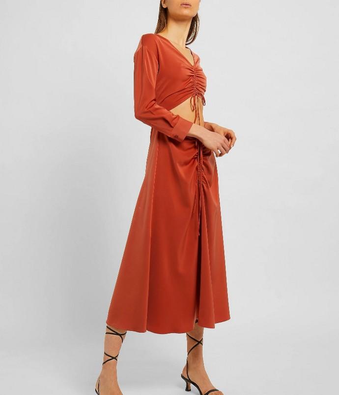 Μάξι φόρεμα με cut outs στη μέση