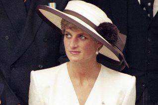 Η  Diana όπως δεν την έχεις ξαναδεί. Μαυρισμένη και ξέγνοιαστη με το μπικίνι της