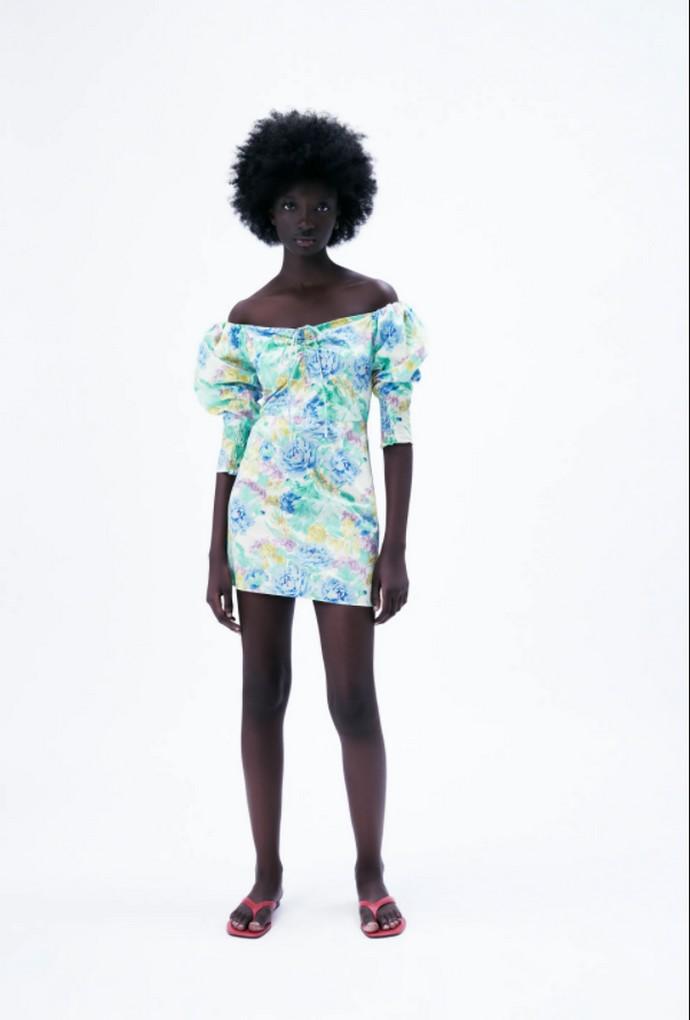 Φόρεμα με παρτούς ώμους