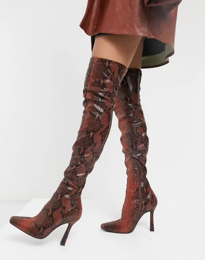Knee-high boots σε snakeskin μοτίβο