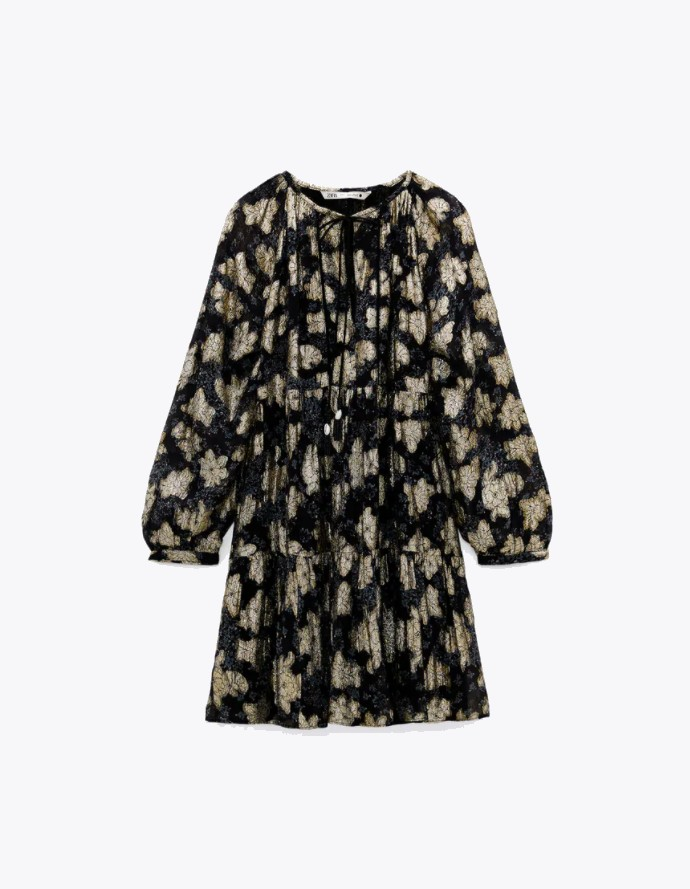 Φόρεμα με μεταλλικές λεπτομέρειες