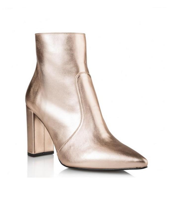 Μποτάκια με block heel
