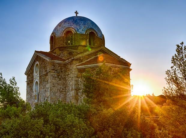 Οι γραφικές εκκλησίες και τα ξωκλήσια της Αττικής στα οποία αξίζει να  κάνεις το γάμο σου