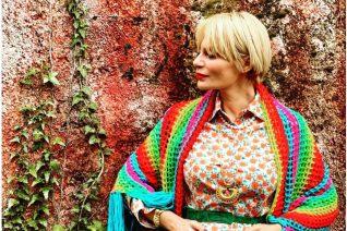 Έλενα Χριστοπούλου: 7 εμφανίσεις της που θα σε πείσουν να φορέσεις χρώμα