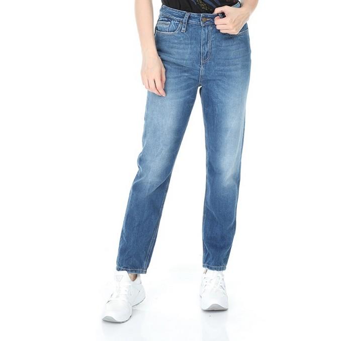 Μοm jeans σε μπλε χρώμα