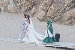 Εριέττα Κούρκουλου - Βύρων Βασιλειάδης: Οι φωτογραφίες του ρομαντικού γάμου τους στη Μύκονο