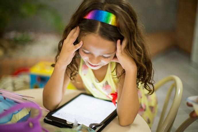 εξαρτημένο παιδί διαδίκτυο
