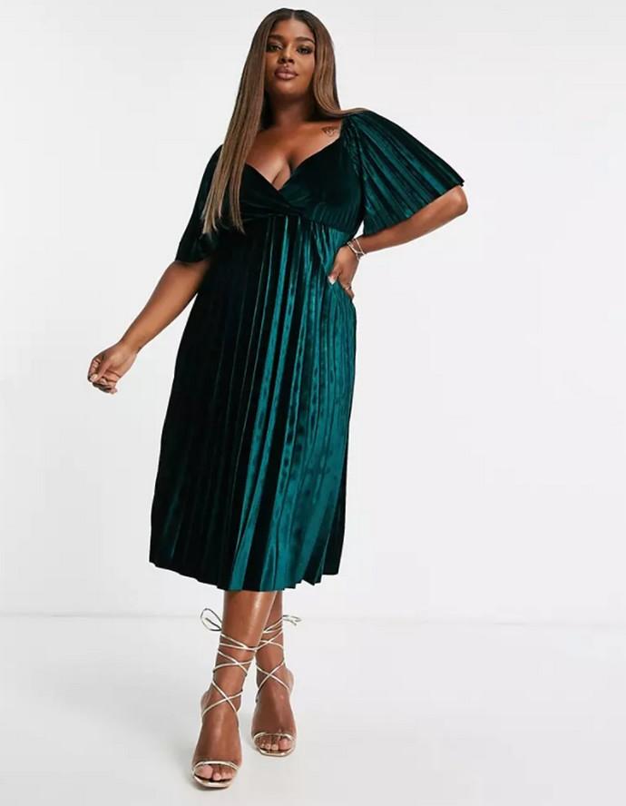 Πλισέ φόρεμα με ανοιχτή πλάτη