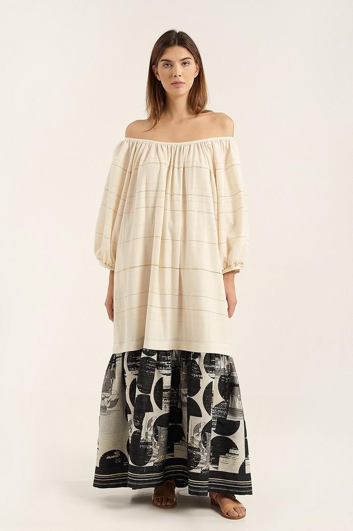 Μάξι φόρεμα με παρτούς ώμους