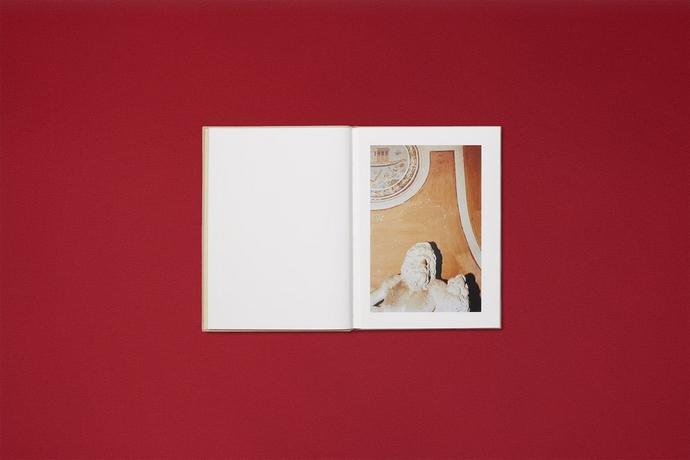 Ωοτοκία βιβλίο της Gucci με τον Γιώργο Λάνθιμο