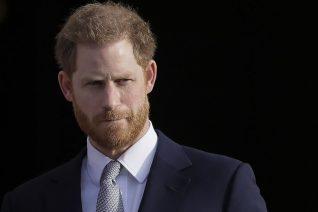 Ο πρίγκιπας Harry ορκίζεται ότι ποτέ δεν θα εγκαταλείψει την βασιλική οικογένεια. Απλώς απομακρύνθηκε από ένα «τοξικό περιβάλλον»