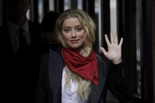 H στυλίστρια της Amber Heard την «άδειασε» στο δικαστήριο