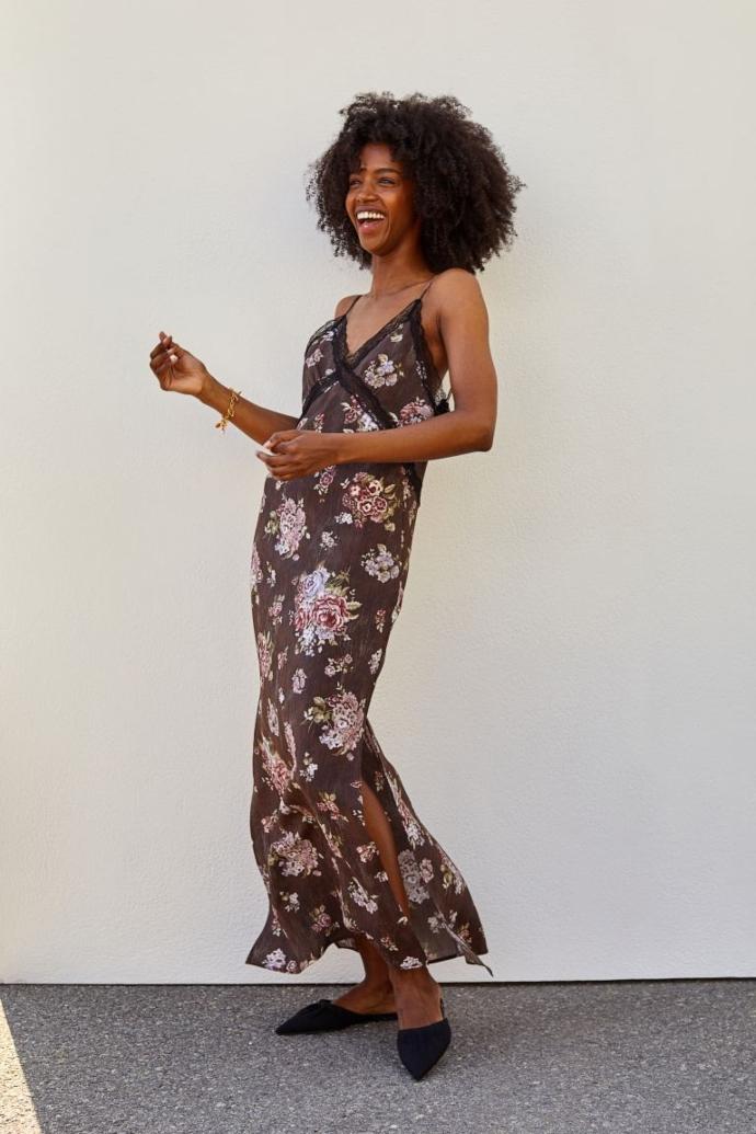 Μάξι φόρεμα με lyocell σε σκούρο καφέ/φλοράλ