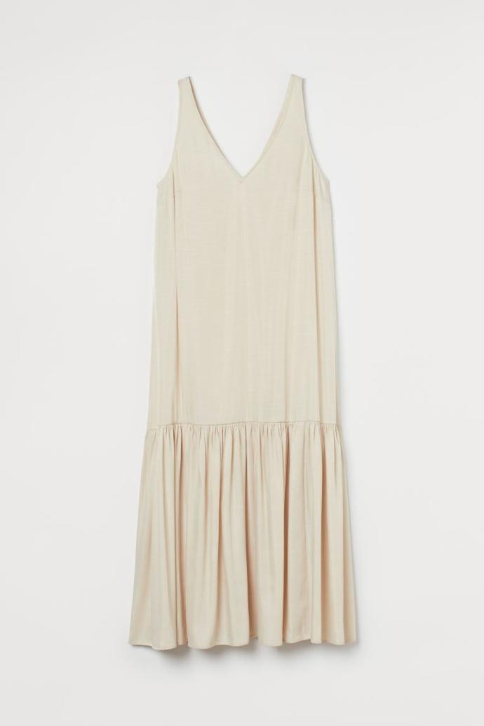 Φόρεμα με ντεκολτέ σε σχήμα V