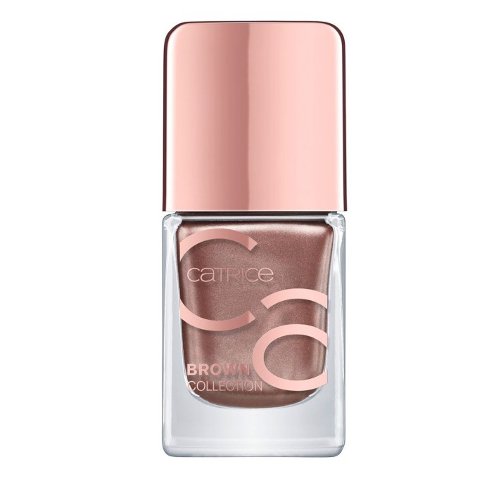Catrice Brown Collection Nail Lacquer στην απόχρωση 02 Sophisticated Vogue