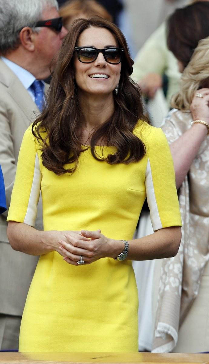 κίτρινο φόρεμα