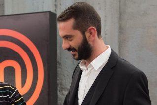 Λεωνίδας Κουτσόπουλος: Δημοσίευσε φωτογραφία της συντρόφου του, Χρύσας Μιχαλοπούλου, και λίγο αργότερα τη διέγραψε