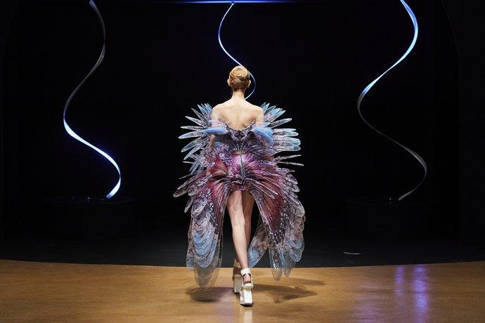 Η Εβδομάδα Μόδας στο Λονδίνο , ψηφιακά