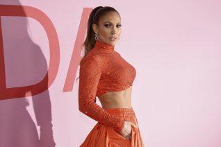 Jennifer Lopez: Τα 10 fitness μυστικά που ακολουθεί και έχει αυτό το σώμα