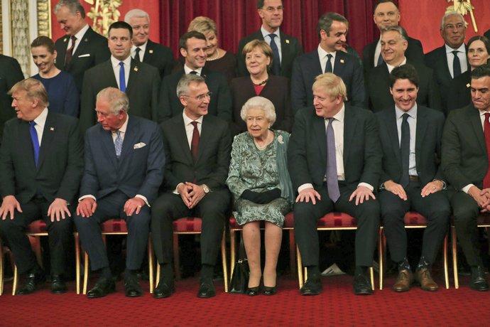Οι ηγέτες του ΝΑΤΟ και η Βασίλισσα Ελισάβετ