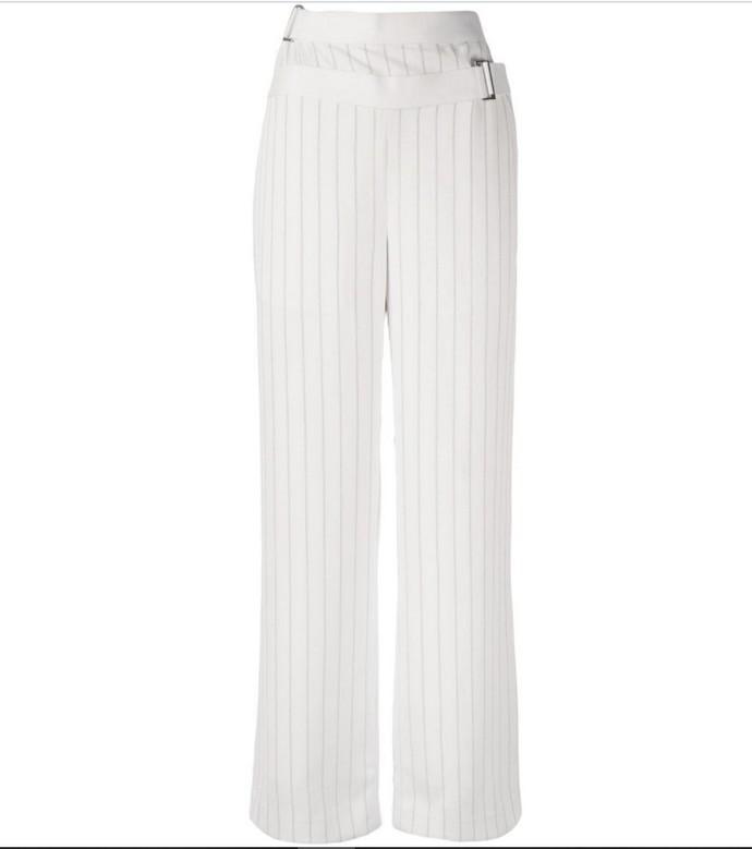 Wide-leg παντελόνα με ζωνάκι